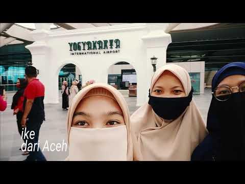 Penjemputan Mahasiswa Baru STIKes Surya Global di Bandara YIA