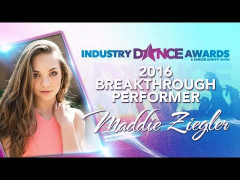 Maddie Ziegler Interview on the Red Carpet