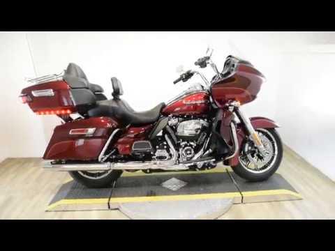 2017 Harley-Davidson Road Glide® Ultra in Wauconda, Illinois