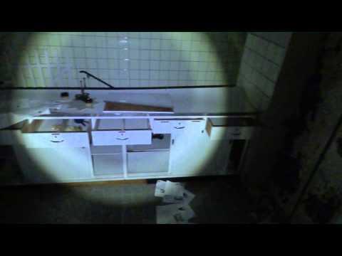 Das Begießen vom kalten Wasser von warikosa