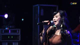 TAKDIR   DEVI TRIANA   TRIAS MUSIC LIVE BANJARAN SPARTAN