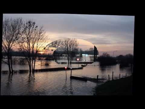 Hoogwater van de Maas in Sambeek - Compilatie beelden januari 2011