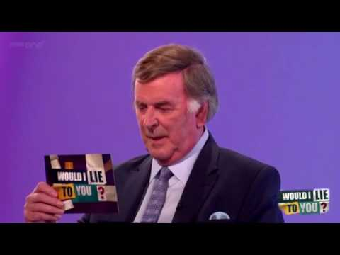 Terry Wogan zapaluje kolegům scénáře a střílí doma z pistole - Would I Lie to You?