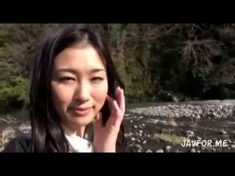清楚美人人妻が再会の連絡して温泉不倫旅行に出掛ける美人奥様。