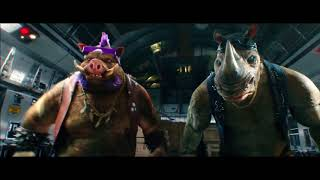 Tortugas Ninja 2: Las tortugas saltan del avión.