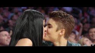 selena gomez again kissed to justin bieber at billboard music award 2013