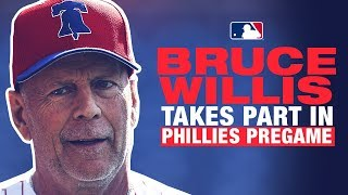 Bruce Willis takes BP, throws first pitch in Philly