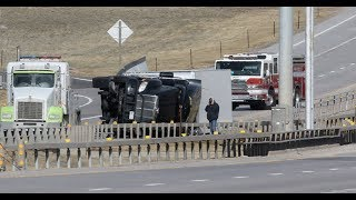 "BREAKING ""Wild Weather In Wyoming 9 Trucks Turn Over & 100"" Snow"