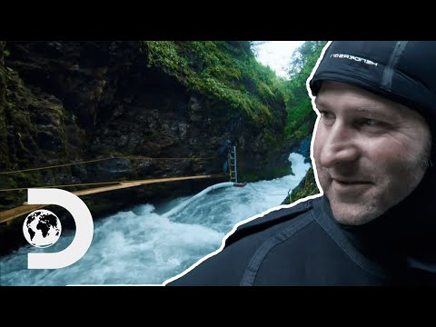 Crew Start Dredging A More Dangerous Section Of River Called The Chute | Gold Rush: White Water