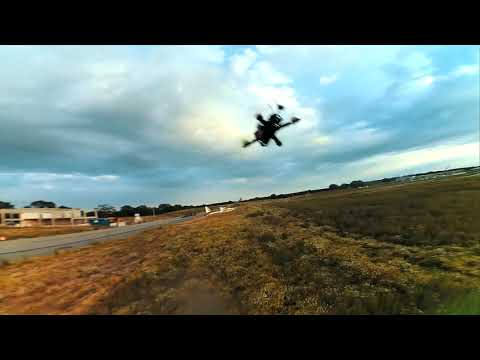 chasing-a-lidl-glider-an-ar600-mini-wing-and---fpv-chase