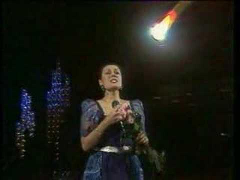 Кто поёт песню женское счастье
