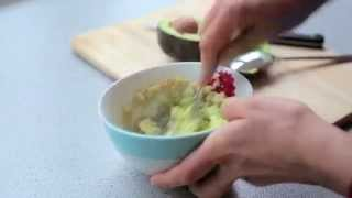 How to Make Quinoa & Avocado for Your Baby (Baby-Led Weaning)
