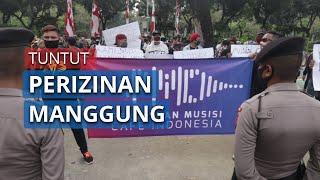 Puluhan Orang dari Persatuan Musisi Cafe Indonesia Gelar Unjuk Rasa Tuntut Izin Manggung