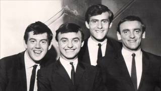Don't Let The Sun Catch You Crying   Gerry And The Pacemakers