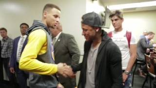 Neymar Jr. hangs with the Golden State Warriors following their #NBAFinals Game 2 victory!