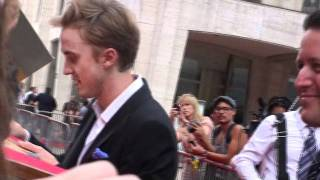 Том Фелтон, Tom Felton Signs autographs for fans at the harry potter and the deathly hallows part 2 premiere