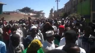 Ethiopian Muslims @ Kaliti Prison To Visit Their Leaders   November 18, 2012
