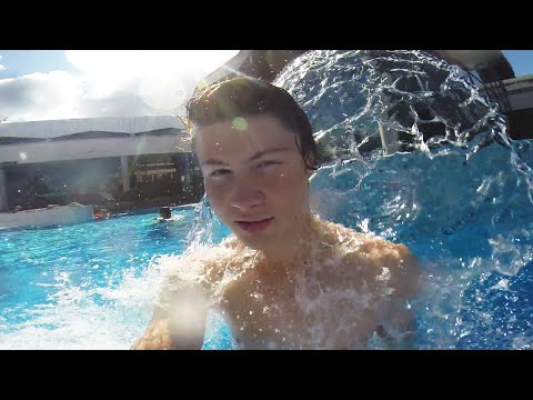 OHNE BADEHOSE INS SCHWIMMBAD! :D | Longboard Tour Tag 10 | Dner