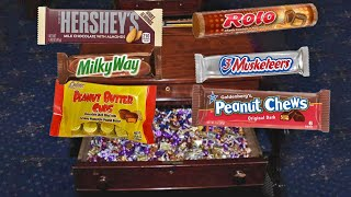 There's a Desk Filled With Candy at the Impeachment Trial