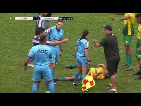 Copinha: Jogador do Botafogo viraliza ao levar caneta e agredir adversário. Veja o vídeo