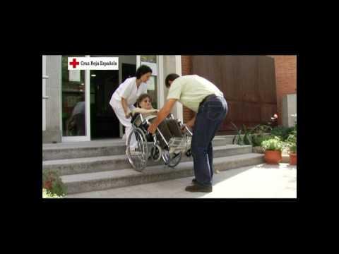 Subir y bajar escalones con una silla de ruedas