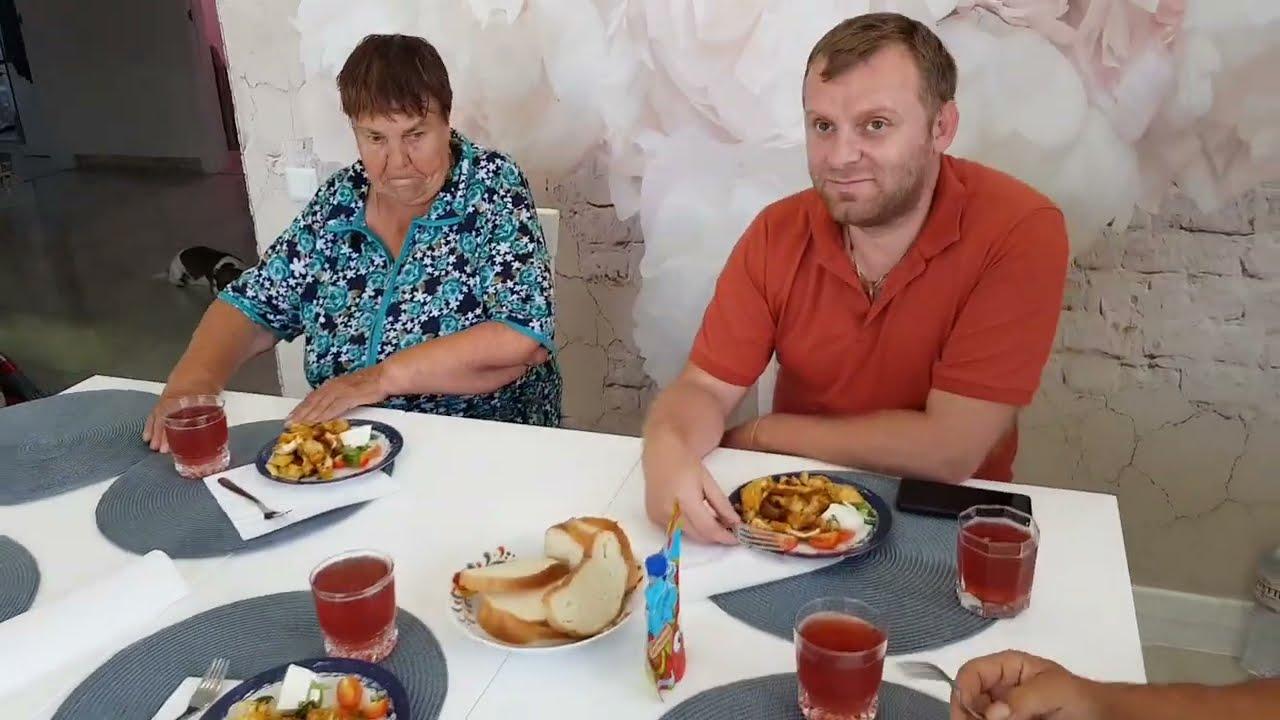 Курица на помидорах! Самвелу понравилось