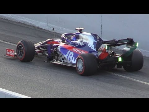 F1 2019 Pit Lane Action-Start Practices,Close Call,Pit Stops & More [RE-UP]