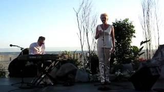 Eva Dahlgren sjunger Ängeln i rummet, Los Angeles 2010