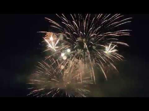 Il gran finale dei fuochi d'artificio di Monate