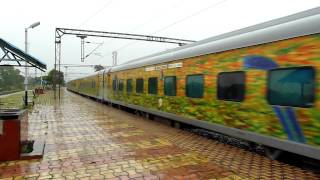 600th upload Green Python 12214 DEE-YPR Duronto storms with a madly honking WAP-7 in rains!!