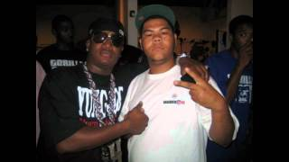 YounGBetflow ft yung joc -play your card.wmv