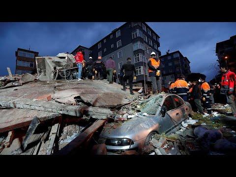 Κατάρρευση πολυόροφου κτιρίου στην Κωνσταντινούπολη