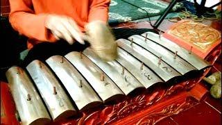 SLUKU SLUKU BATHOK / Javanese Gamelan Music Jawa / WANI WIRANG Balai Budaya Minomartani [HD]