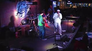 Buddy Guy onstage with The Reggie King Sears Band