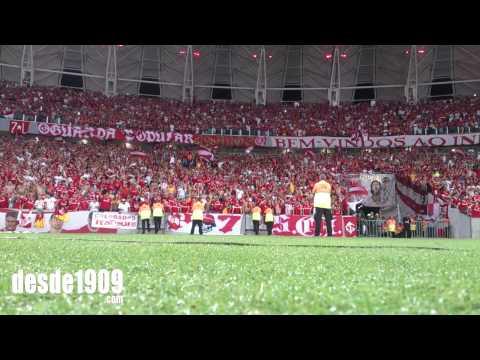 """""""Vs Emelec - LA15 - Muito mais que um vicio / Nada vai nos Separar"""" Barra: Guarda Popular • Club: Internacional"""