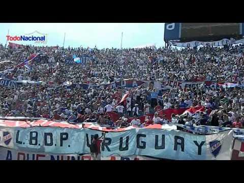 """""""EN LA PREVIA - se viene el bolso campeón - LBDP"""" Barra: La Banda del Parque • Club: Nacional"""