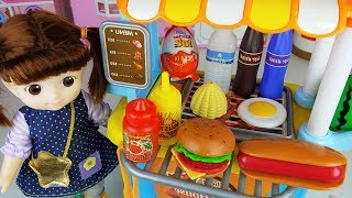 Hamburger cooking and Baby doll food car kitchen toys play - ToyMong TV 토이몽
