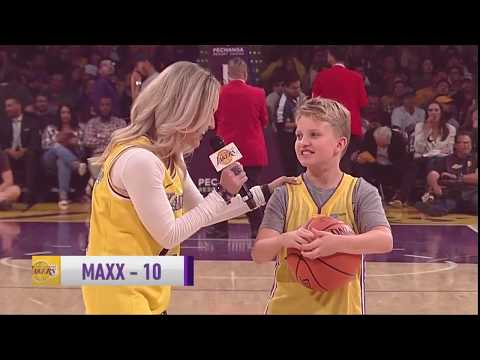 Young Lakers Fan Showed Off Jumper During Commercial Break