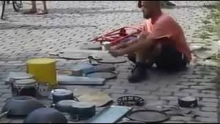 अद्बुध् ड्रम वादक/Amazing Drummer