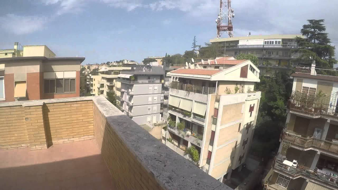 3 Rooms for rent in spacious apartment with terrace in Balduina area