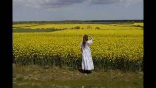 #LauraAshleymadeinwales #LauraAshleyvintage Made In Wales Dresses Worn By #PoetJaneAir