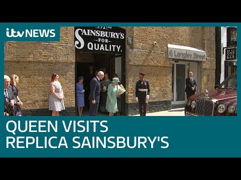 'You can't cheat?' Queen shown self-service till in 1860s style Sainsbury's store | ITV News