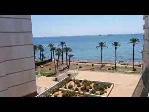 Bright and airy 2 bedroom apartment in beachfront residence in Playa d'en Bossa