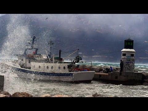 «Ωκεανίς»: Προβλήματα, κλειστά σχολεία και απαγορευτικό απόπλου σε όλη την χώρα…