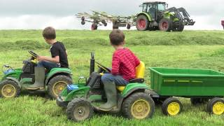 KIDS on tractors, real tractors and silage, kids watching silage, farming for kids