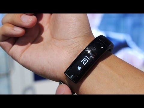 LG LifeBand Touch Hands On! [CES 2014]