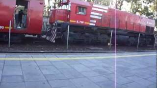 preview picture of video 'Ferrovías GM G22CU NºE709 llegando a Munro 15/01/2012'
