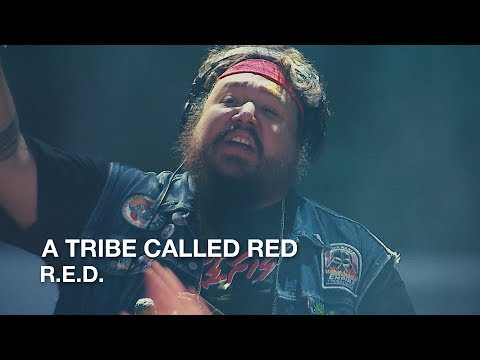 "Canadian First Nation Hip Hop or ""Powwow-step"" - A Tribe Called Red Live"