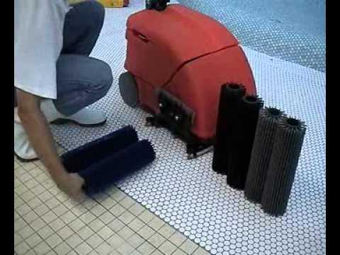 Fregadora industrial E10+B10 - cambio de cepillo - Hako
