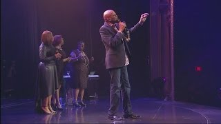 Donnie McClurkin - I Am Amazed